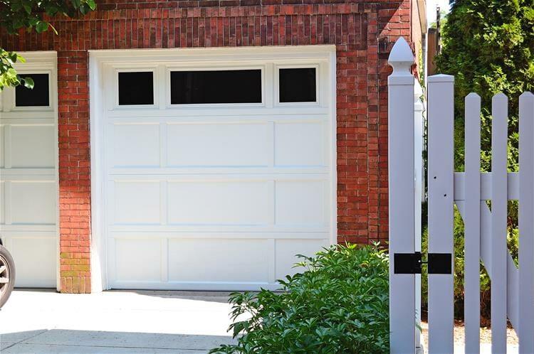 2296-residential-garage-doors