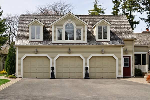 Garage Doors Toronto and Their Aesthetic Impact